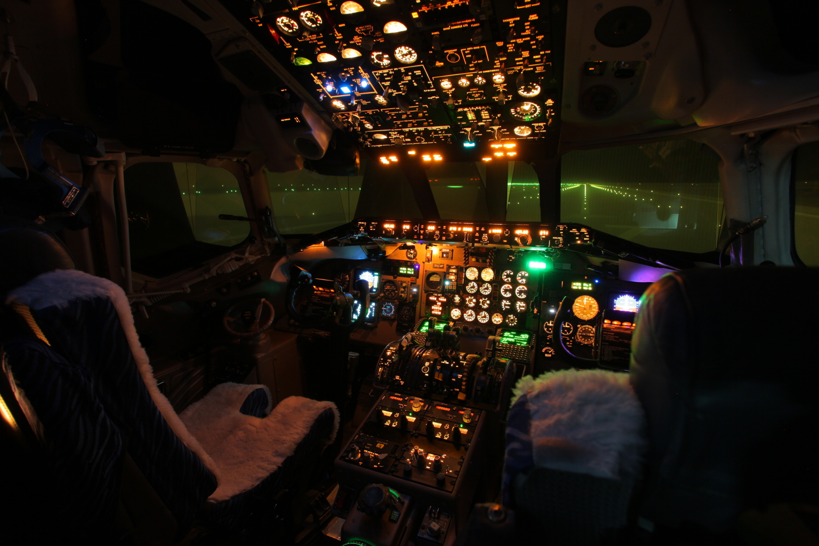 McDonnell Douglas MD-80 TYPE RATING COURSE